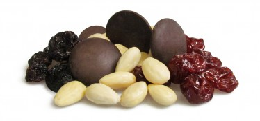 yin & yang - blanched almonds, jumbo raisins, dark chocolate buttons and cherries