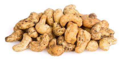 image of cracking black pepper cashews