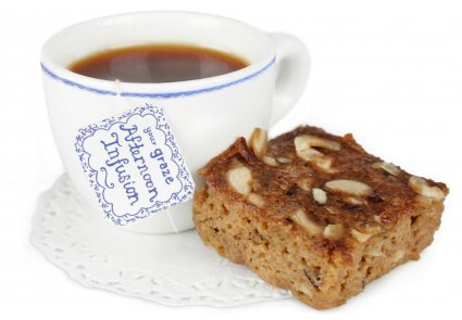 image of banana cake with an afternoon infusion